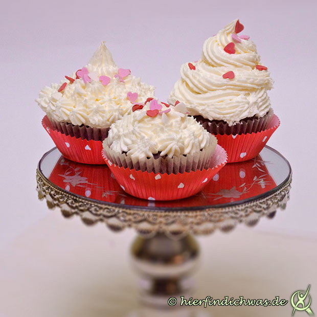 American Frosting Cupcake Muffin