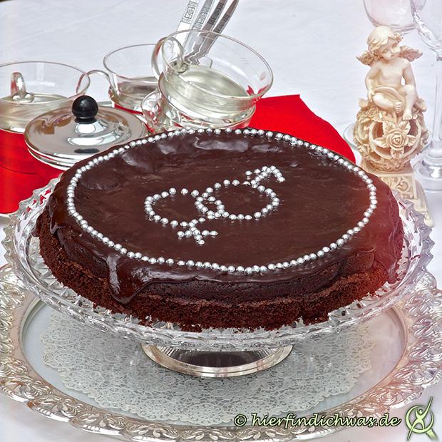 Schokoladenkuchen mit Symbol alias Pornokuchen