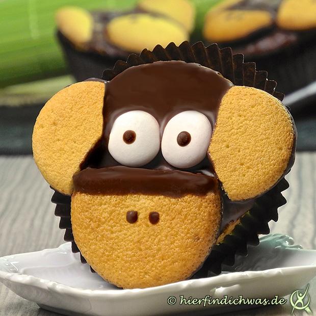 affen cupcake rezept mit bananen cupcake teig und keksen. Black Bedroom Furniture Sets. Home Design Ideas