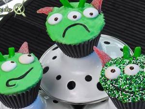 Alien Geburtstagsfeier mit Cupcakes