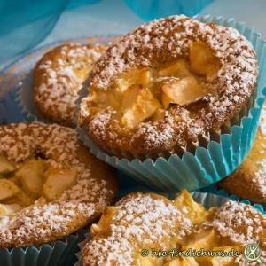 Muffin mit Walnuss und Apfel