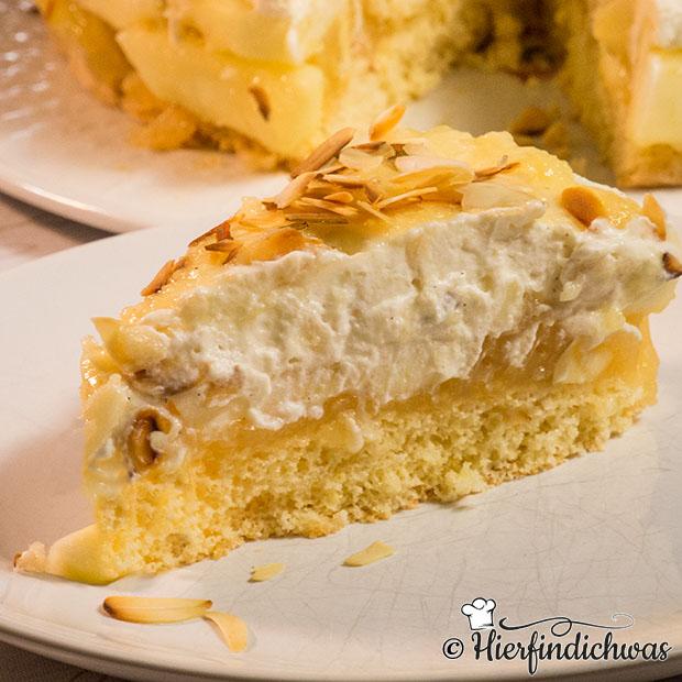 Apfelkuchen mit Vanillepudding und Apfelsaft