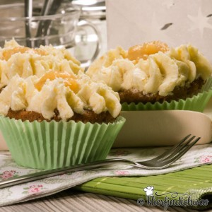 Apfel-Nuss-Muffin mit Topping