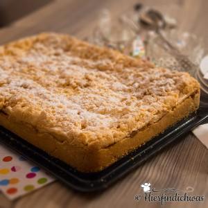 Blechkuchen mit Apfel und Streuseln
