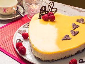 Eierlikoerherz Torte fuer Valentinstag