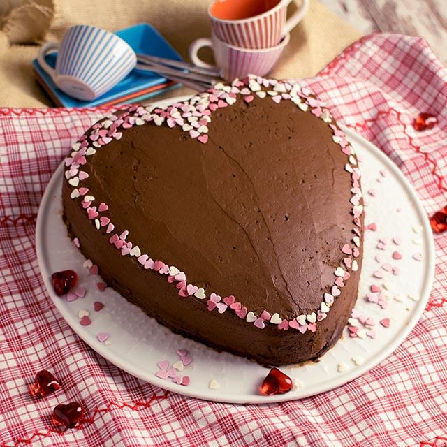 Schoko Herztorte Wurzig Fruchtig Fur Valentinstag Oder Muttertag
