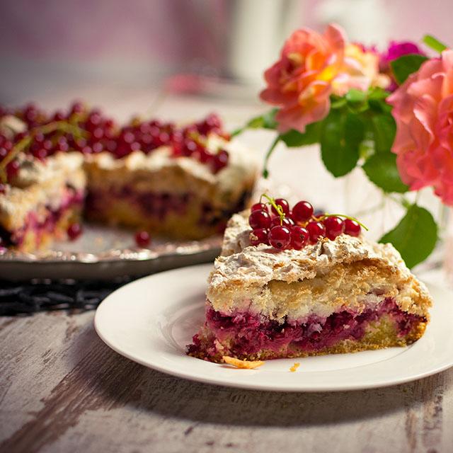 Beerenkuchen mit Baiser