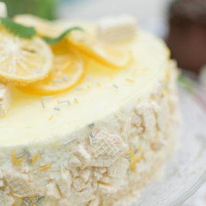 Zitronentorte mit kandierten Zitronen